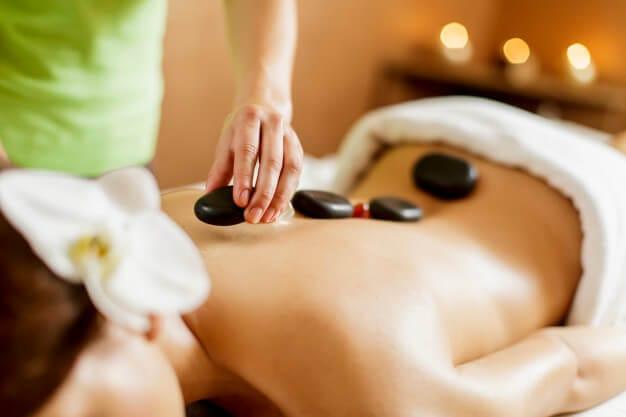 горячие камни массаж
